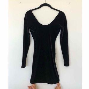 Black Velvet Body con Mini Dress